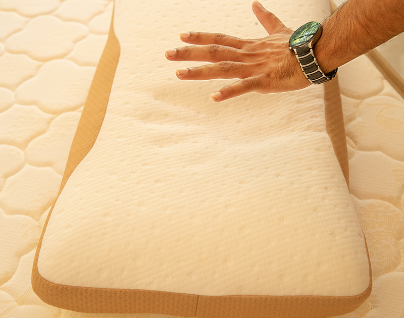 Dreamzee Memory Foam Standard Pillow